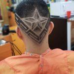 skin fade y diseño de estrella e lineas